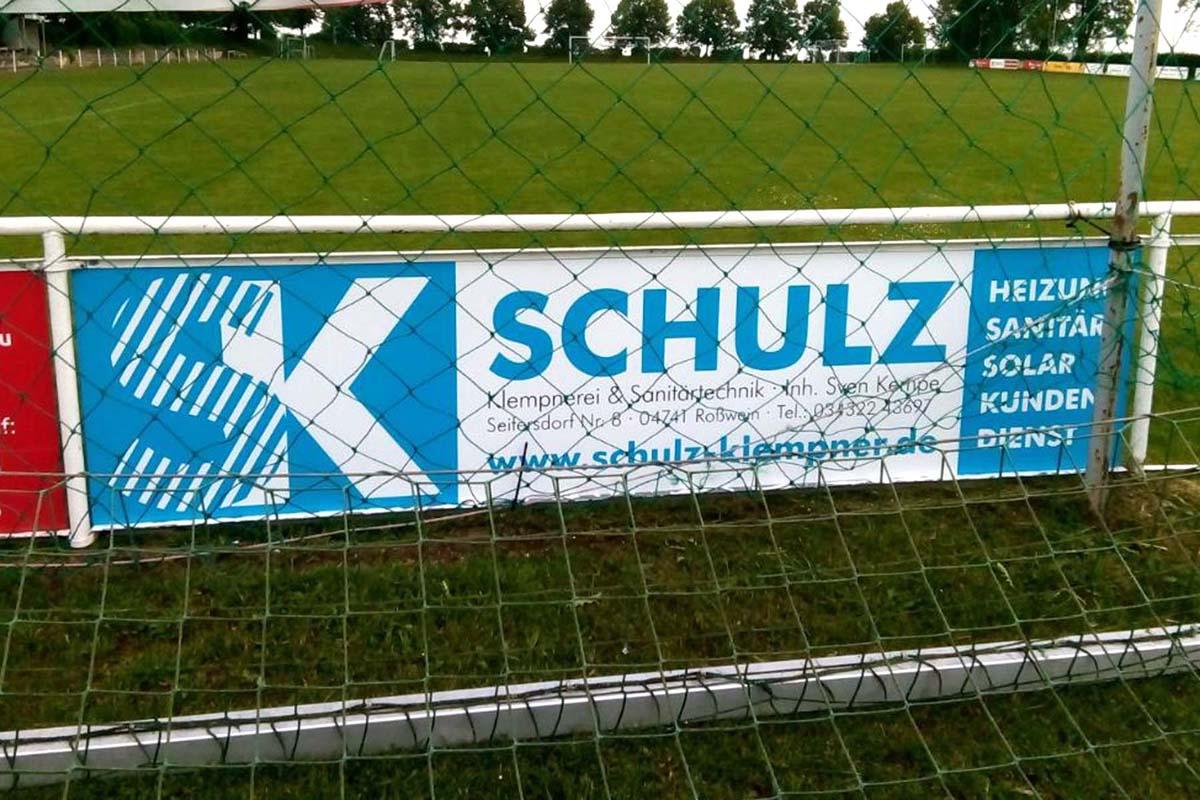 Gestaltung und Druck Bandenwerbung aus 6mm Aluverbundplatte für Klempnerei Schulz / Kempe Seifersbach-Roßwein