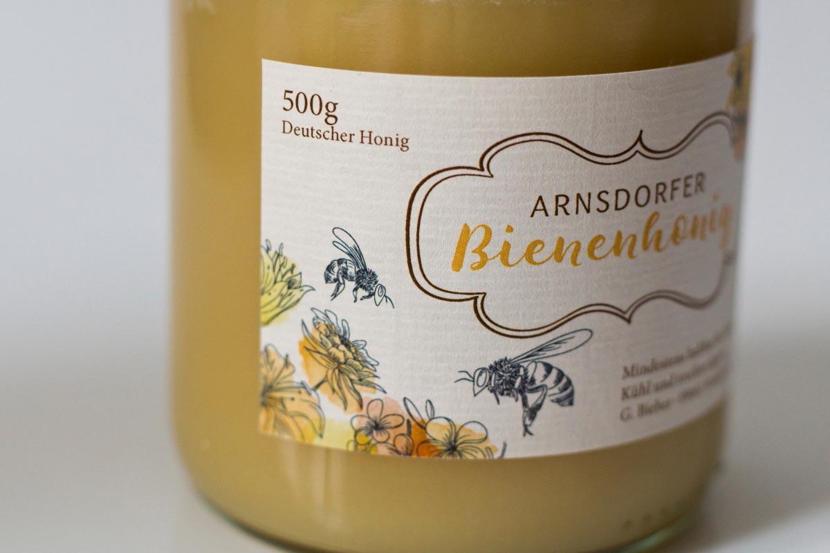 Gestaltung und Druck Etiketten Honig, Naturpapier creme mit Prägung