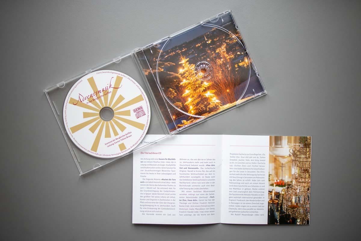 """Gestaltung CD-Cover und Booklet """"Adventsmusik in der Bergkirche Seiffen"""", Kantor Tobias Braun, Fotos: Eva Schalling, Seiffen"""