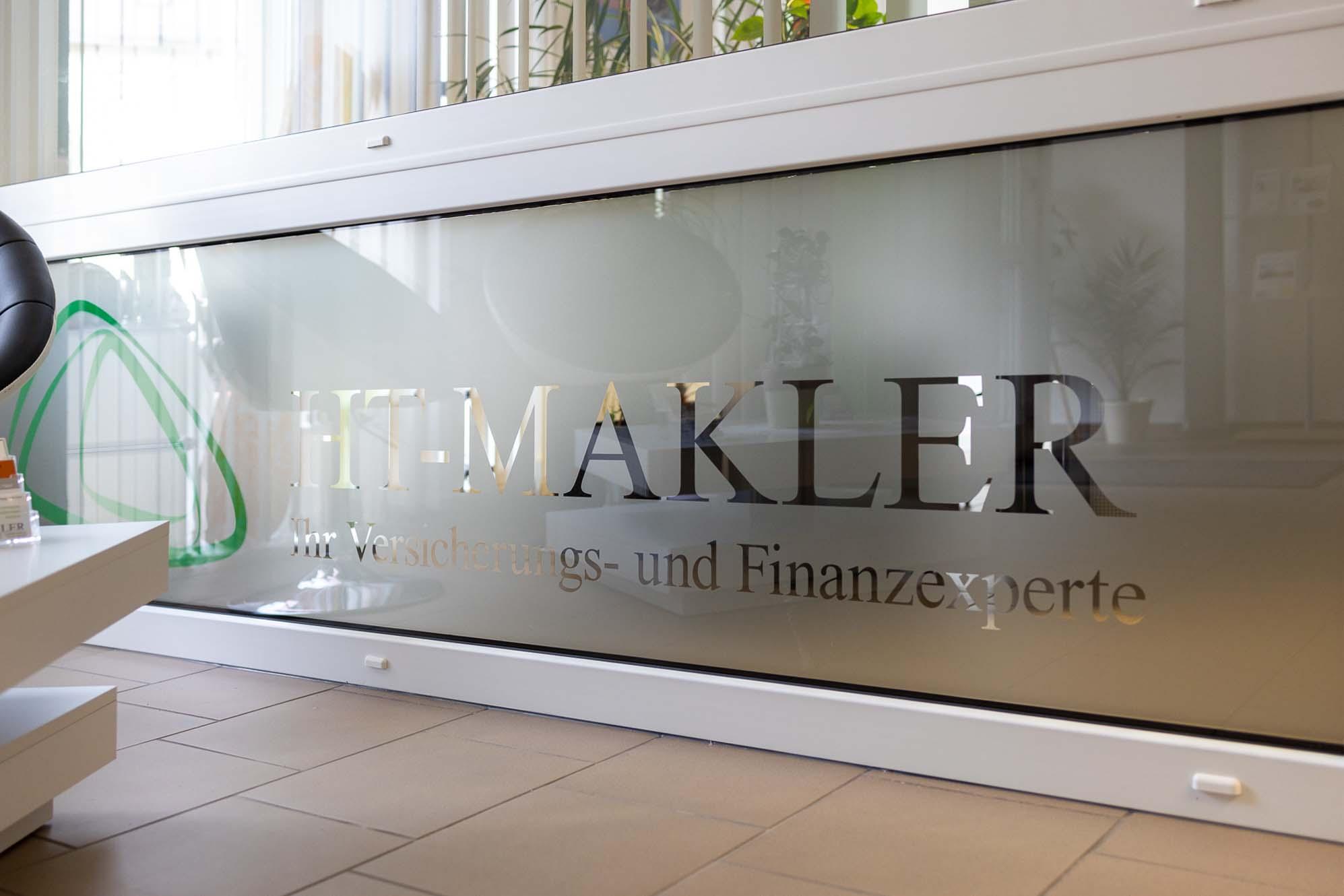 Konzept Beschriftung Büroräume HT Makler